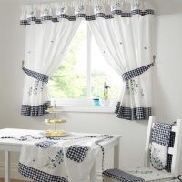 stylish-black-and-white-kitchen-curtain-idea-feat-pretty-country-table-plus-tiered-cake-bowls